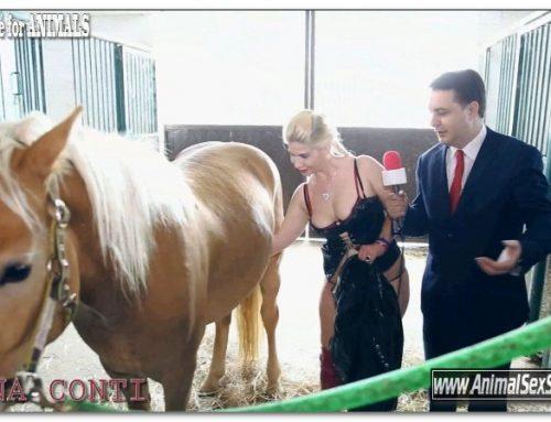102 – Andrea Dipre Moana Conti give a blowjob horse