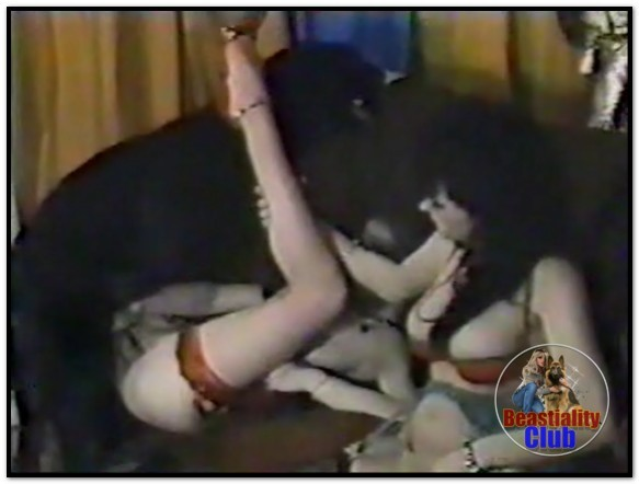 Janine De Groot- Animal Pornstar – 07